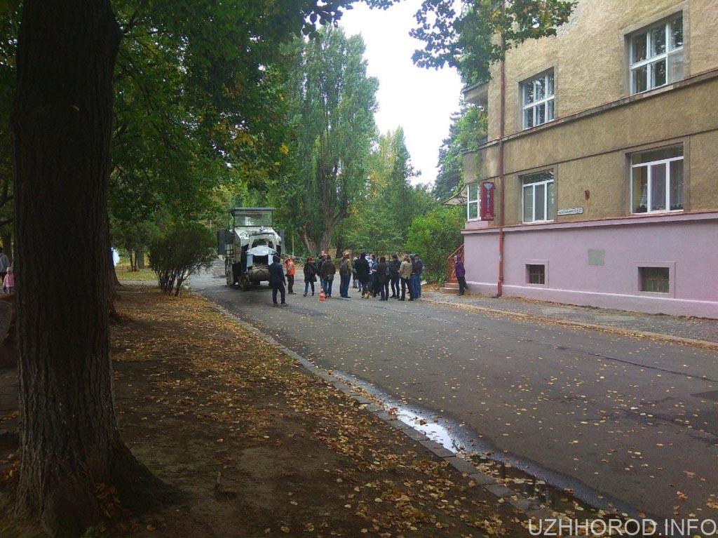 Бруківка в Ужгороді фото 3