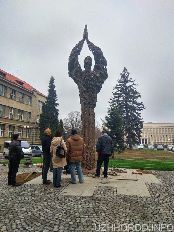 Пам'ятник голодомору фото 123