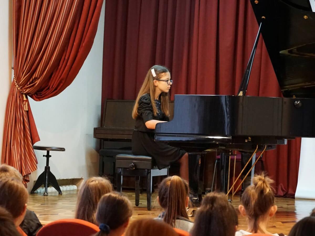 Музичній школі - 75 років