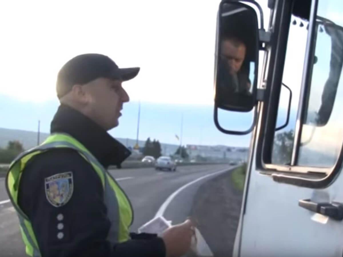Патрульні перевіряли стан громадського транспорту (ВІДЕО)