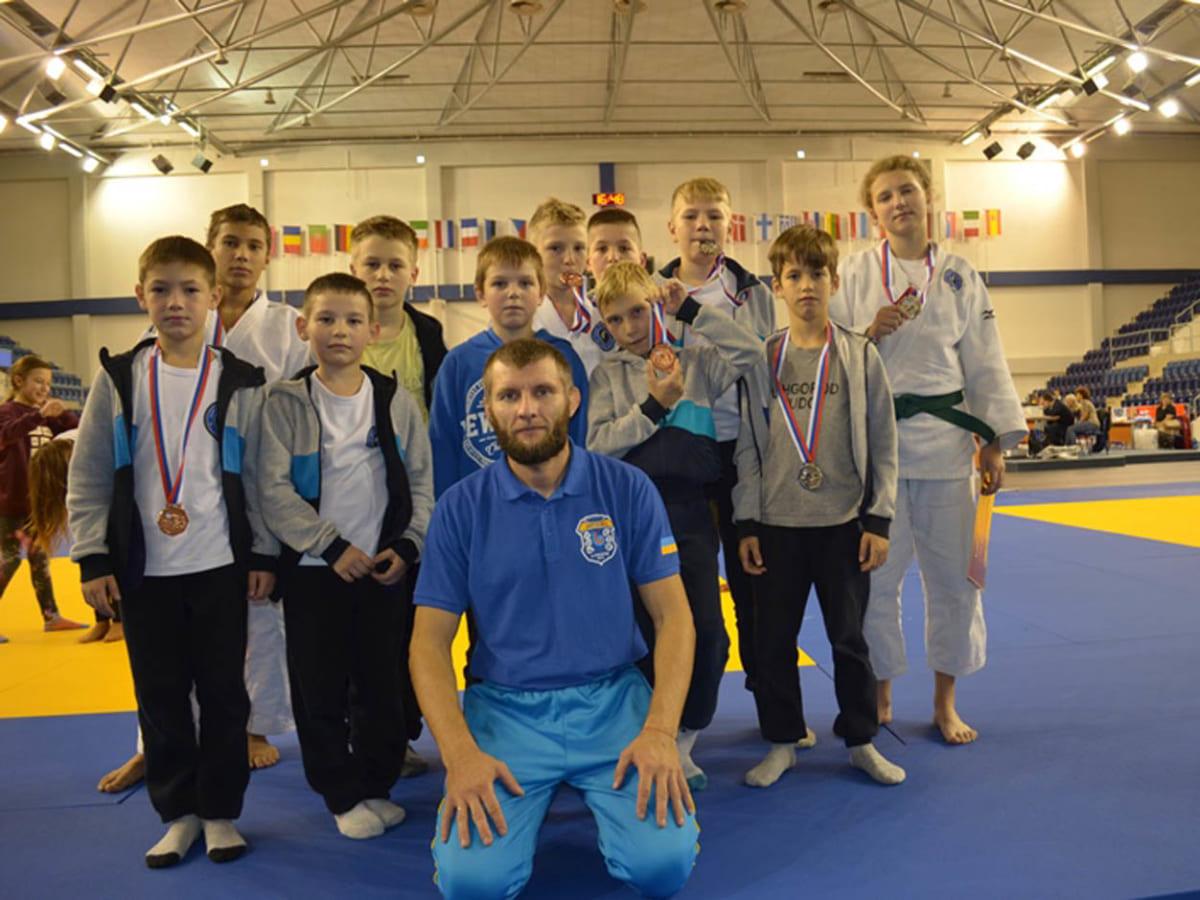 Ужгородські юні дзюдоїсти вибороли 8 медалей в Словаччині