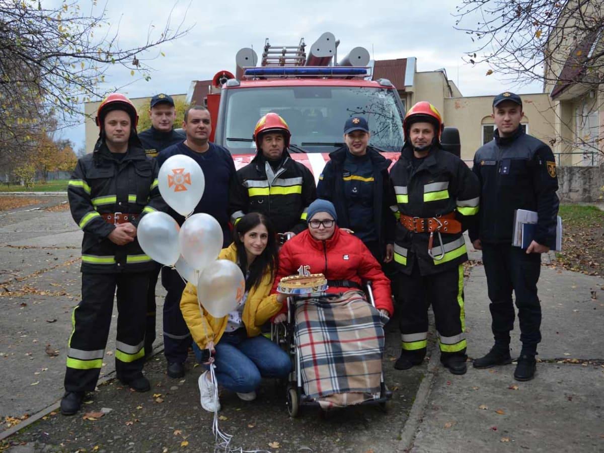 приїзд вогнеборців до ужгородської школи фото