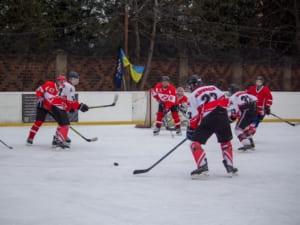 Запеклі хокейні поєдинки відбулися в Ужгороді (ФОТО)