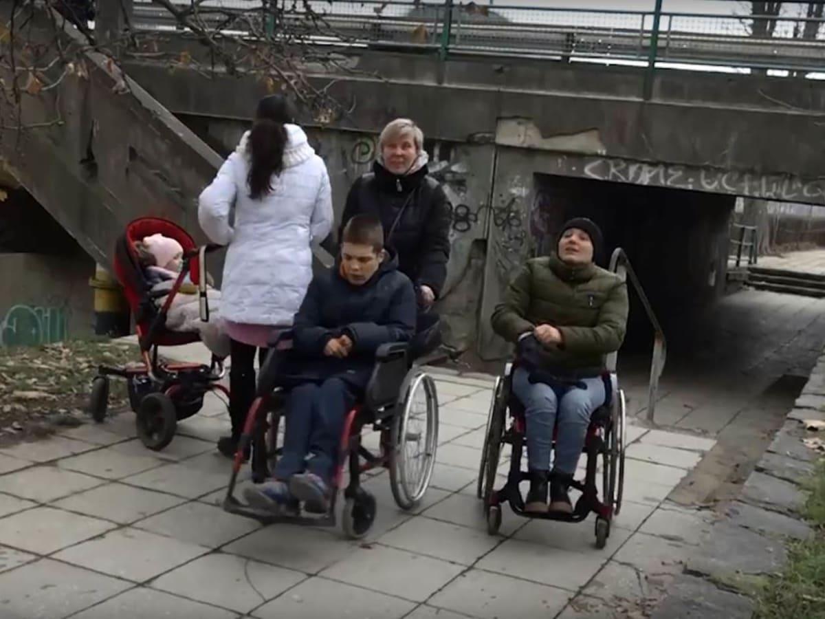 Ужгород недоступний для інвалідів з візками фото