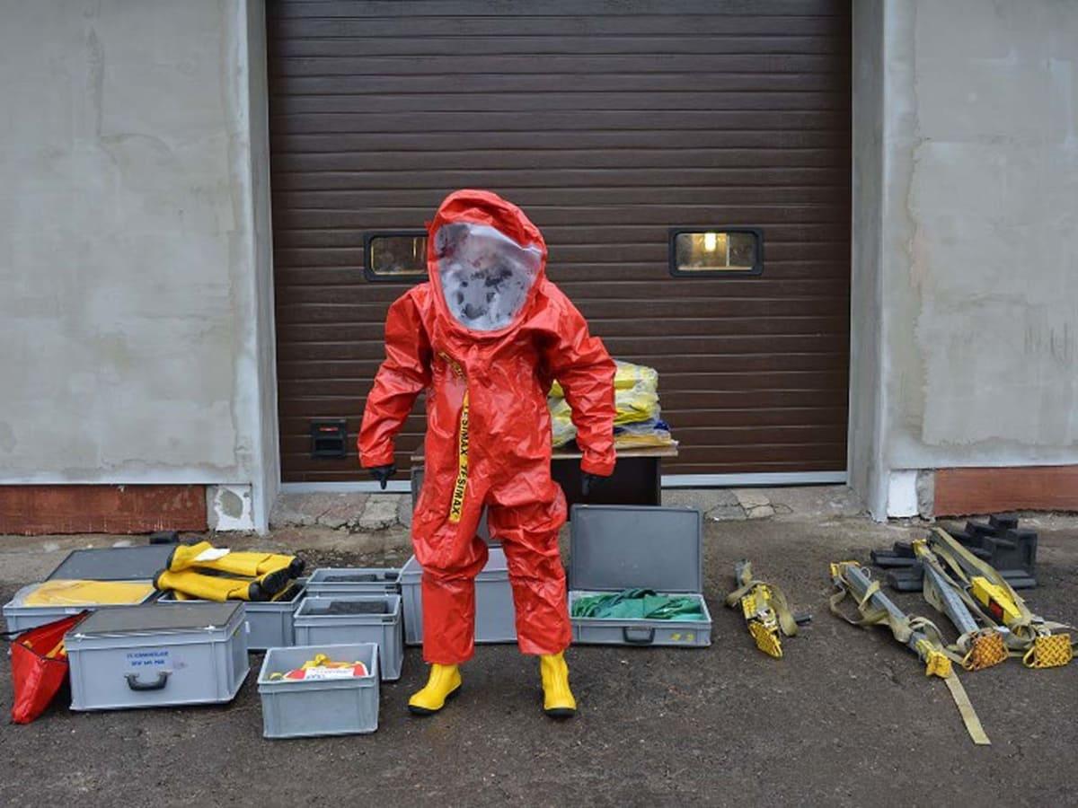 ужгородцям передали рятувальне обладнання фото