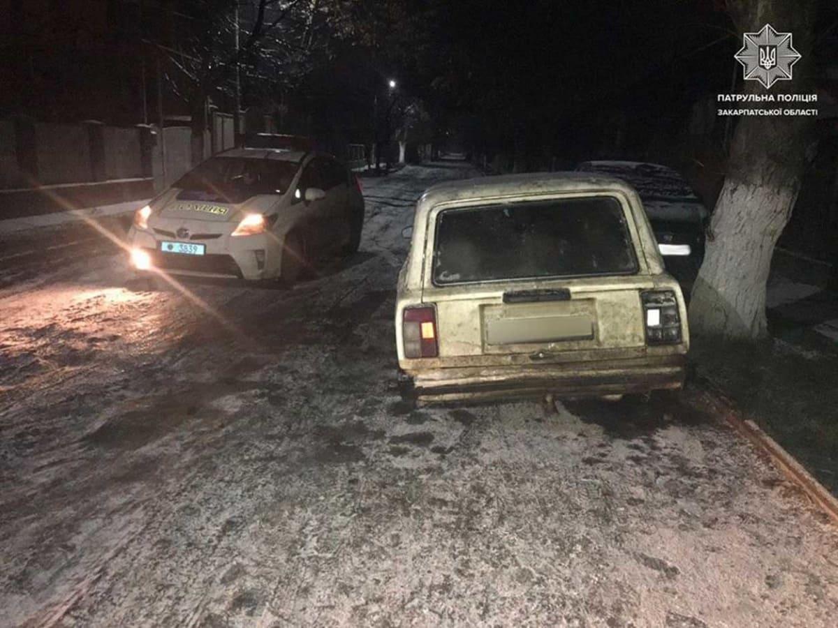 знайдено викрадений автомобіль фото
