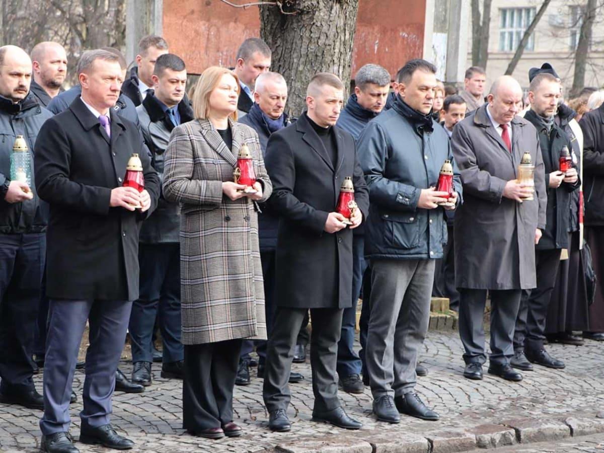 В місті вшанували подвиг учасників Революції Гідності та пам'ять Героїв Небесної Сотні фото