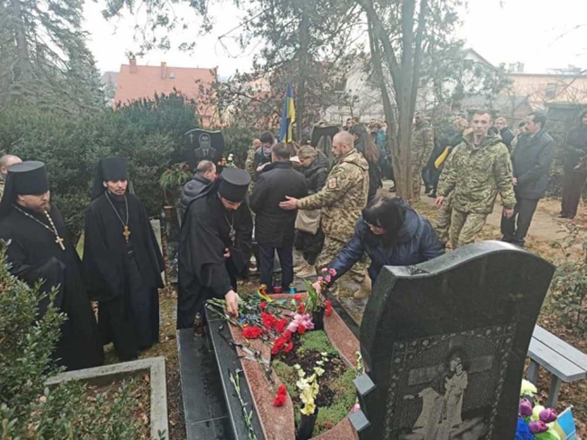Вчора в місті вшанували пам'ять полеглих героїв фото