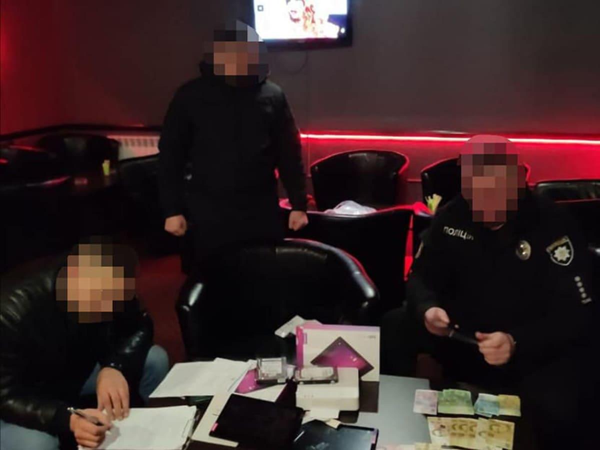 На Тячівщині та в Ужгороді припинили роботу незаконних гральних закладів