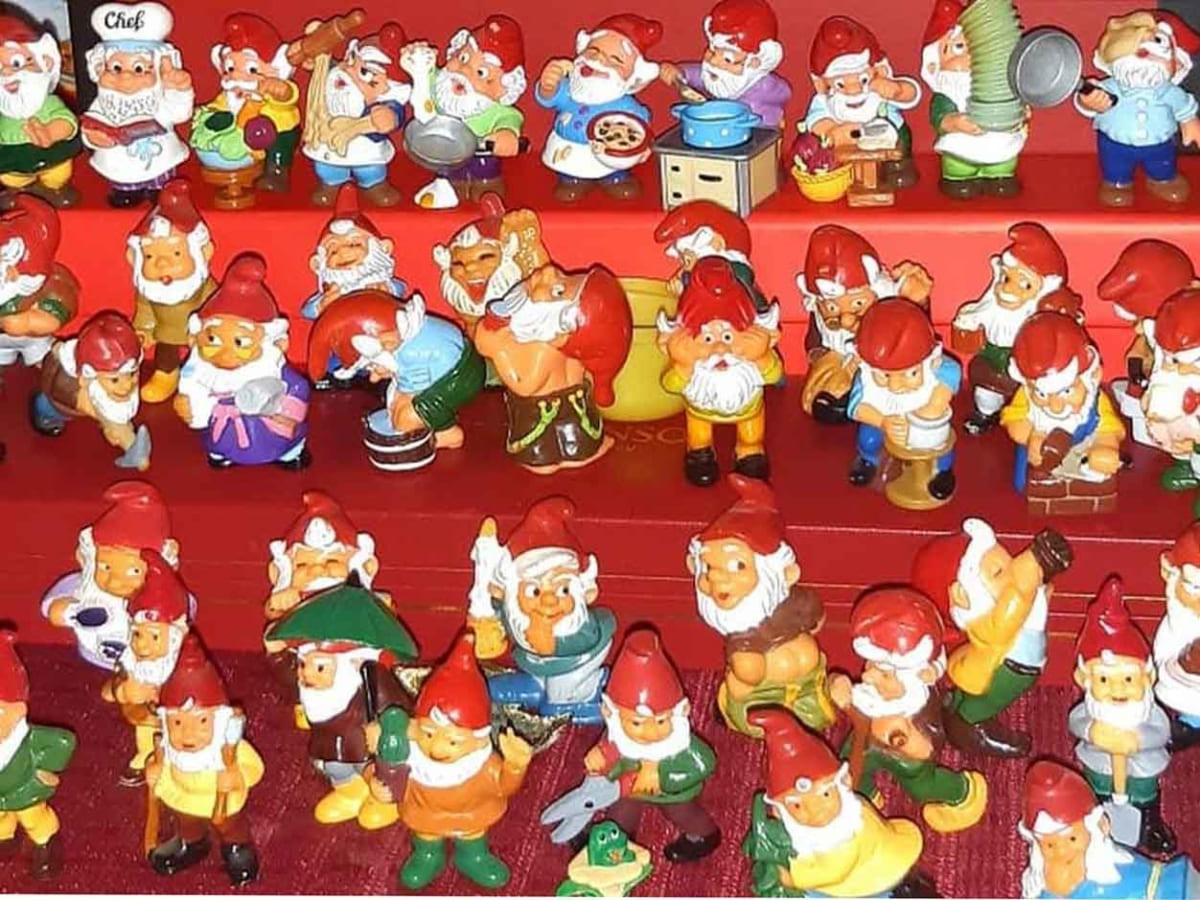 Ужгородка зібрала величезну колекцію іграшок з кіндер сюрпризів фото