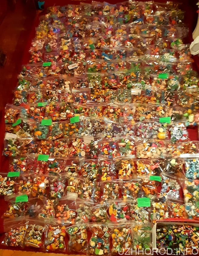 Ужгородка зібрала величезну колекцію іграшок з кіндер сюрпризів 2 фото