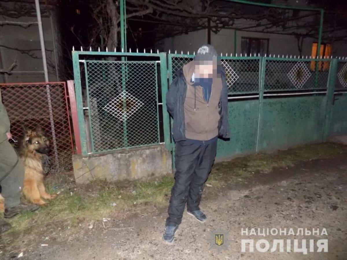 В Ужгороді вчора затримали грабіжника фото