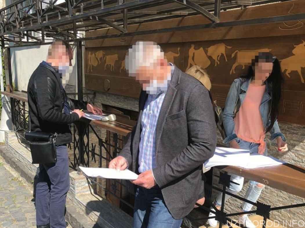 Чиновнику міськради повідомлено про підозру у розтраті фото