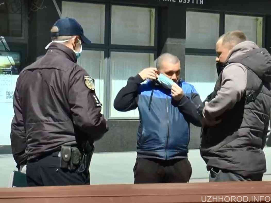 Як поліція патрулює центр міста фото