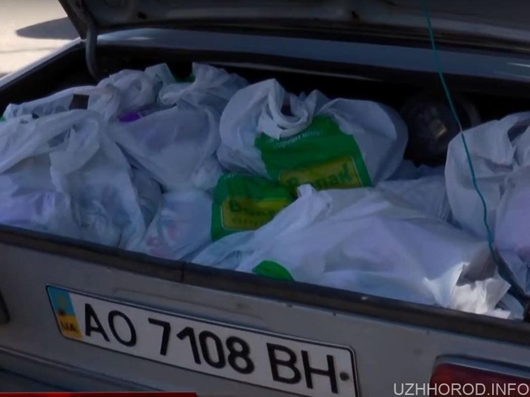 В Ужгороді доставляють продуктові набори нужденним фото