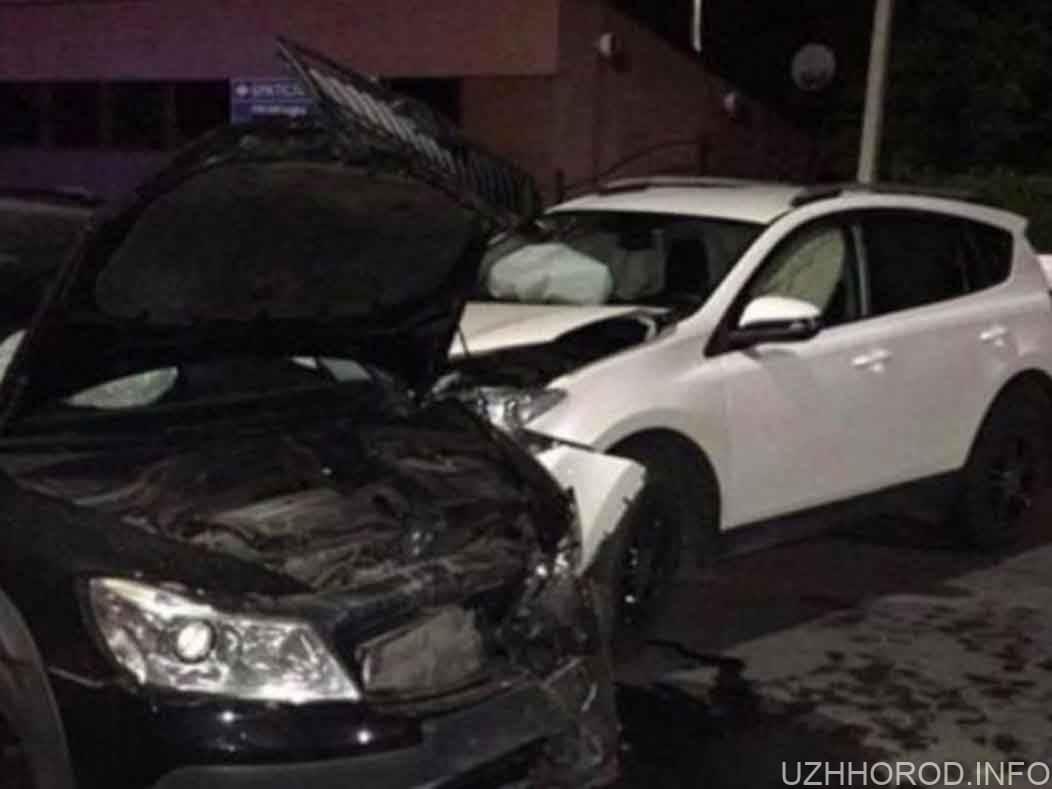 П'яний митник скоїв ДТП на перехресті вулиць Митна та Собранецька