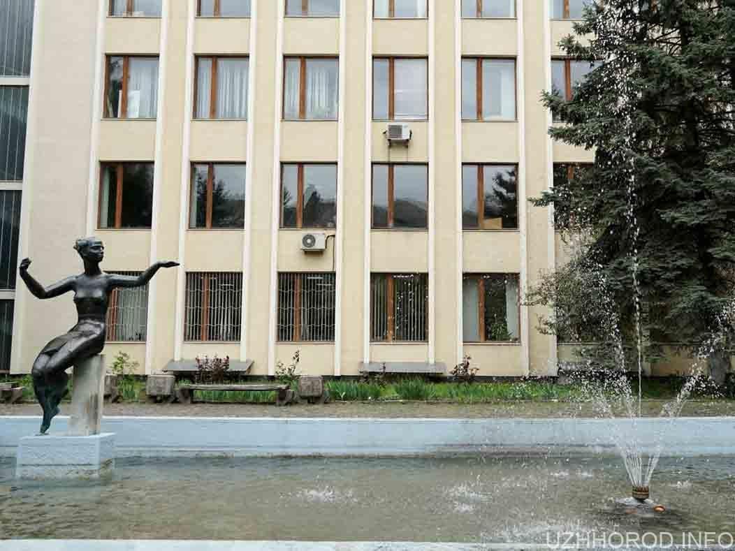 В Ужгороді запрацював ще один водограй фото