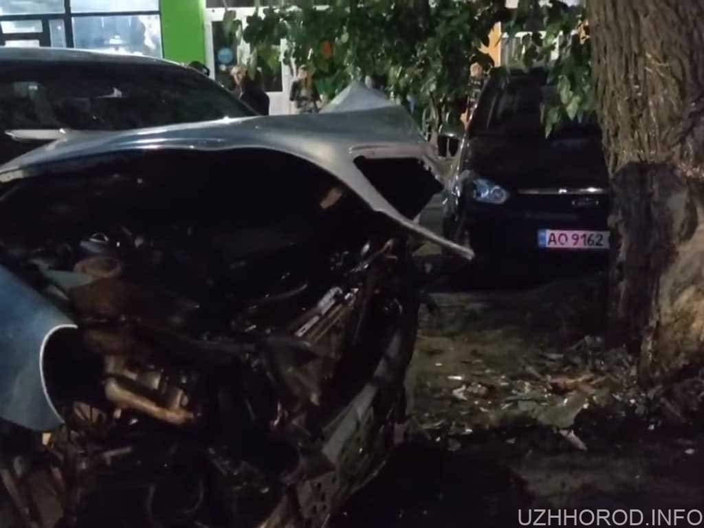 В Ужгороді трапилась ДТП за участі двох авто фото