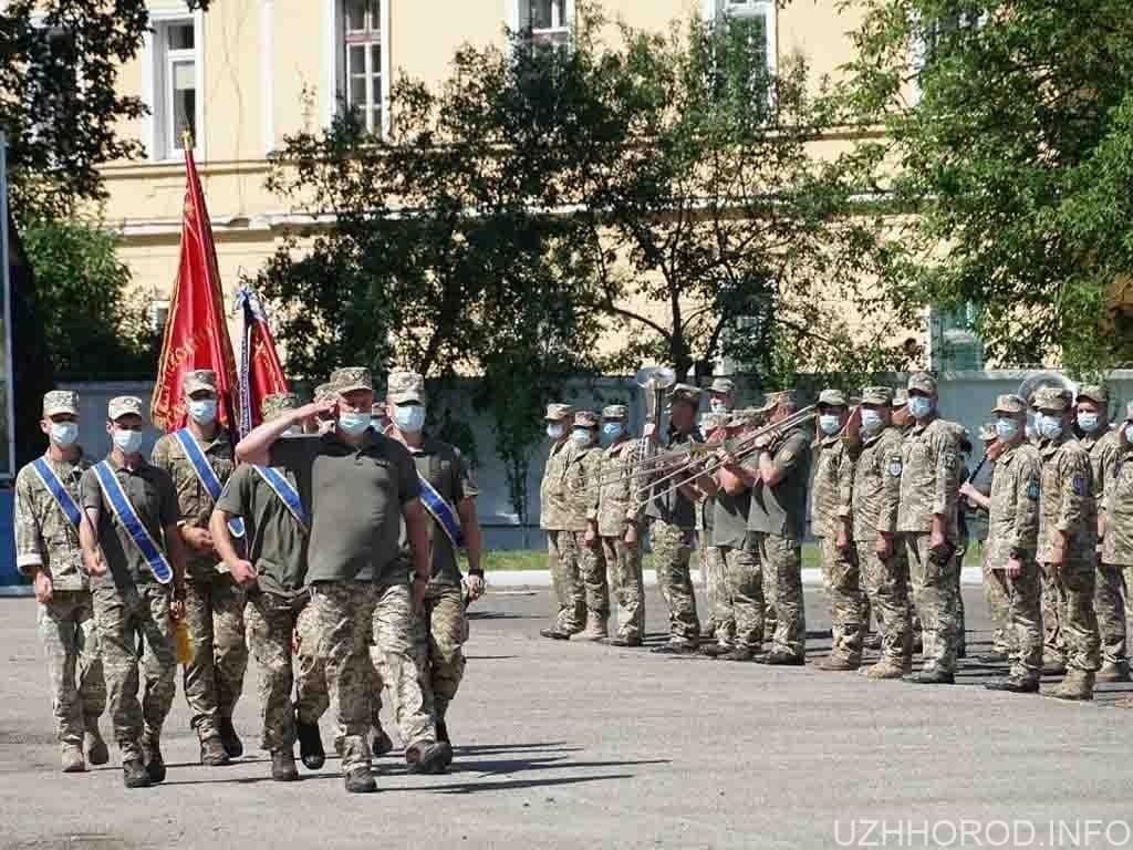 В Ужгороді урочисто зустріли бійців 128 фото