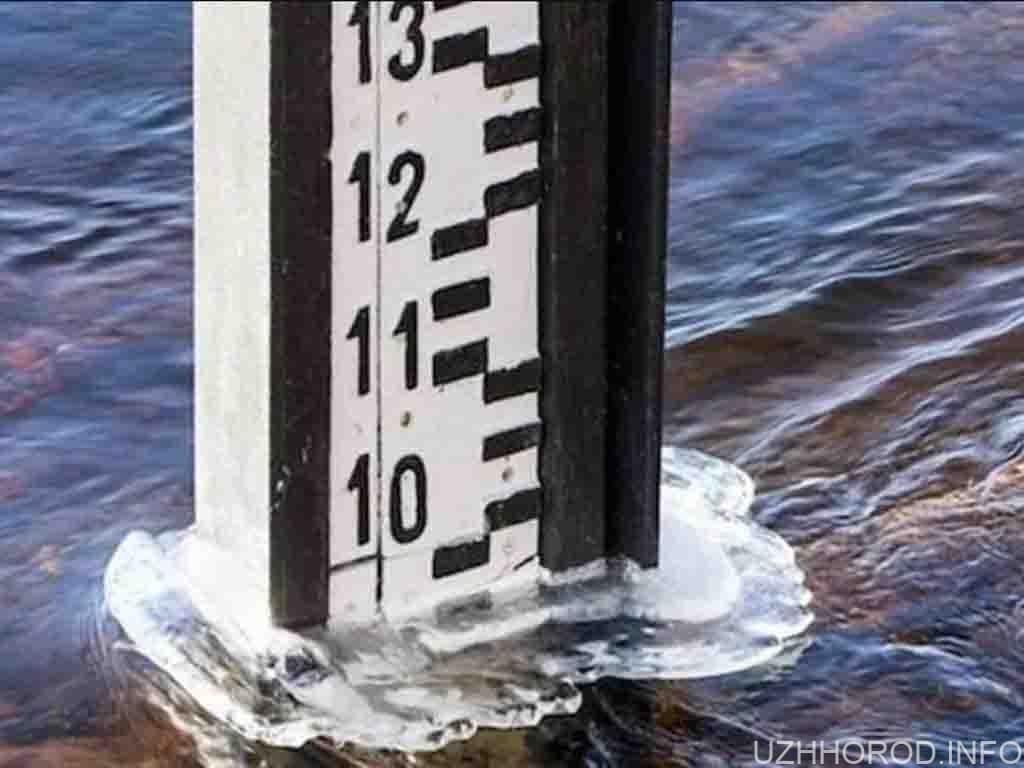Закарпатців попередили про підняття рівня води у річках більше як на один метр