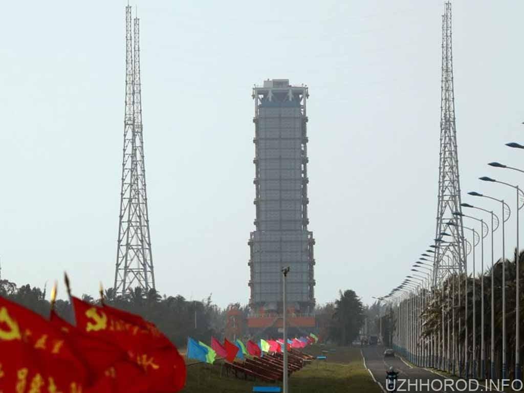 Китай запустив космічний корабель фото