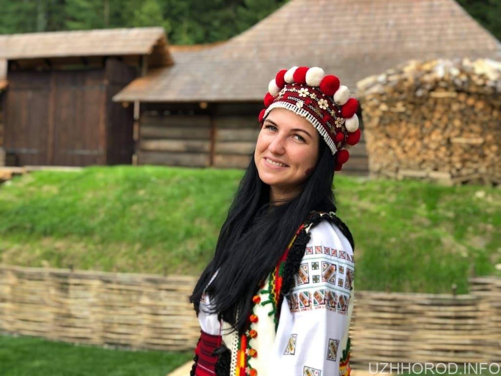 """Фотоконкурс """"Найкрасивіша ужгородка ГРУДНЯ 2020"""" (ФОТО)"""