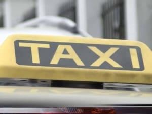 Вакцинованим ужгородцям обіцяють знижки на поїздки в таксі