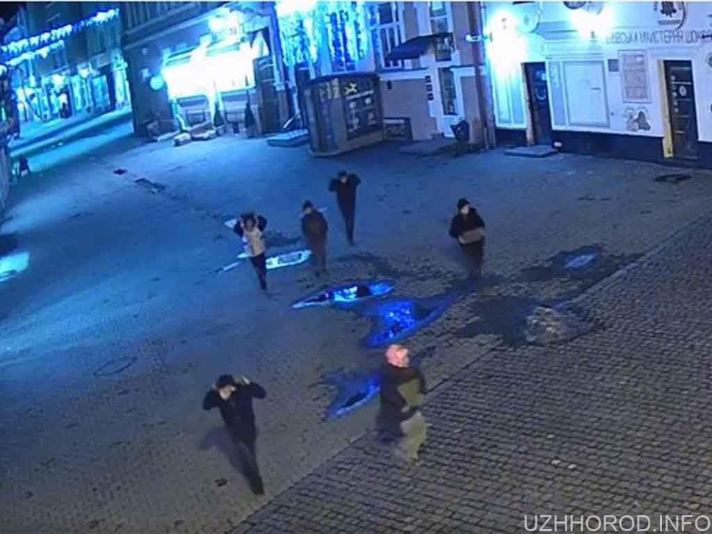 Крадіжка решіток зливоприймачів по вул. Корзо (ВІДЕО)
