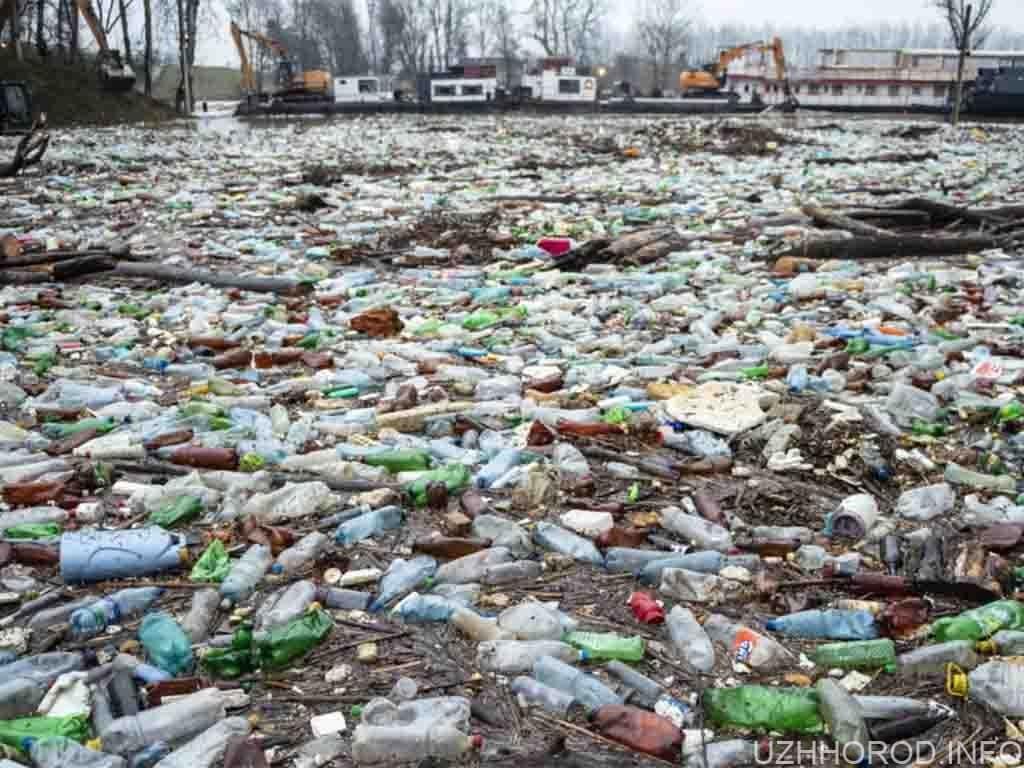 Партія «Йоббік» подала заяву до правоохоронців через побутові відходи, які потрапляють в Угорщину Тисою та її притоками