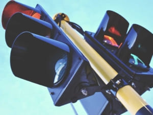 Сьогодні в Ужгороді ремонтують світлофори та лінії вуличного освітлення