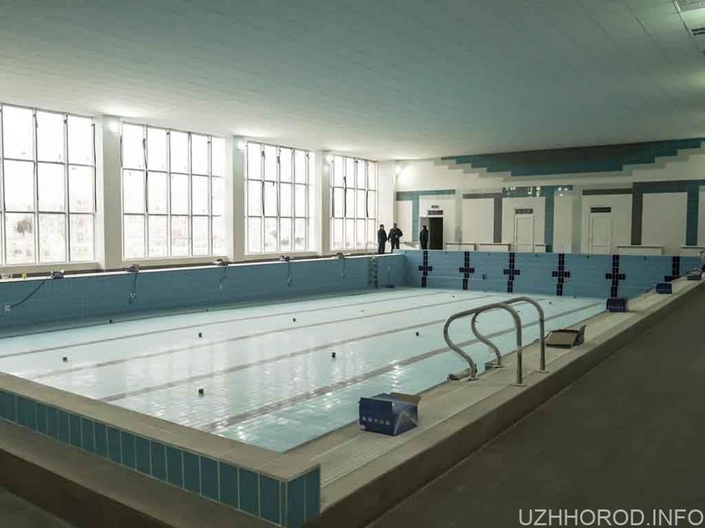 Завершується ремонт найбільшого шкільного басейну