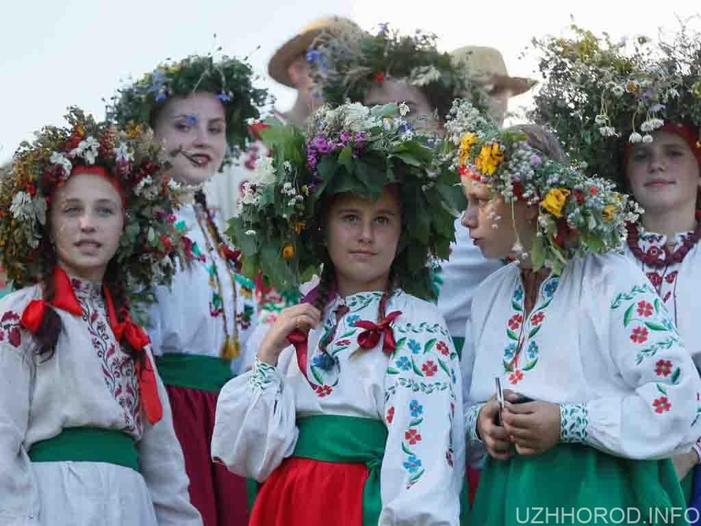 День вишиванки свято фото