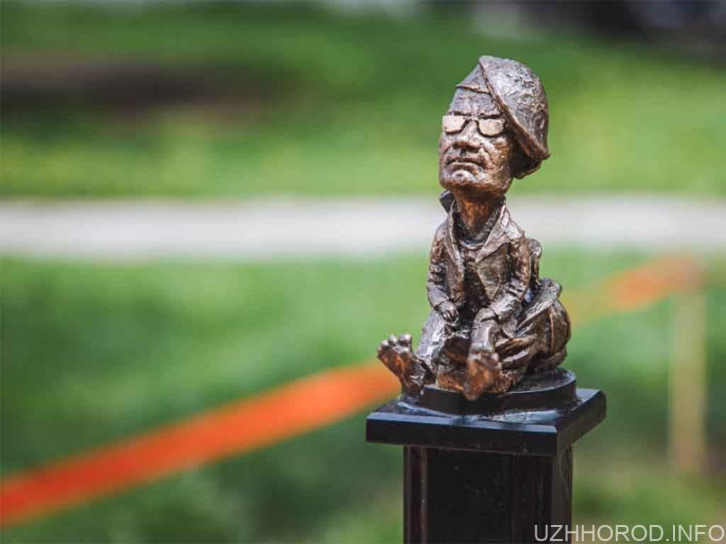 міні скульптура ласло фото