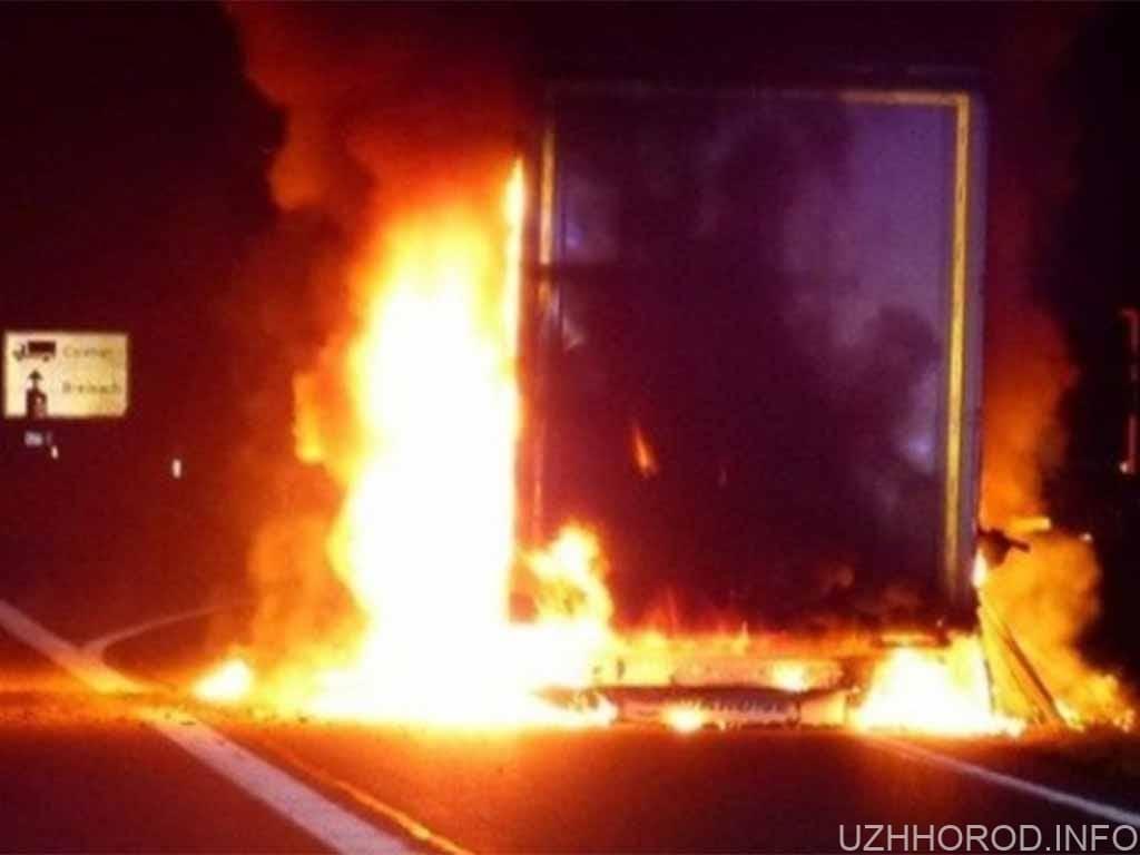пожежа вантажівка Ужгород фото
