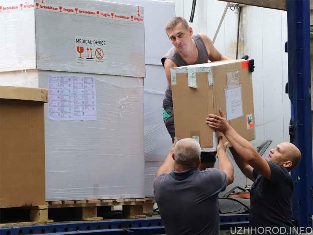 В Ужгород доставили надсучасний апарат променевої терапії фото