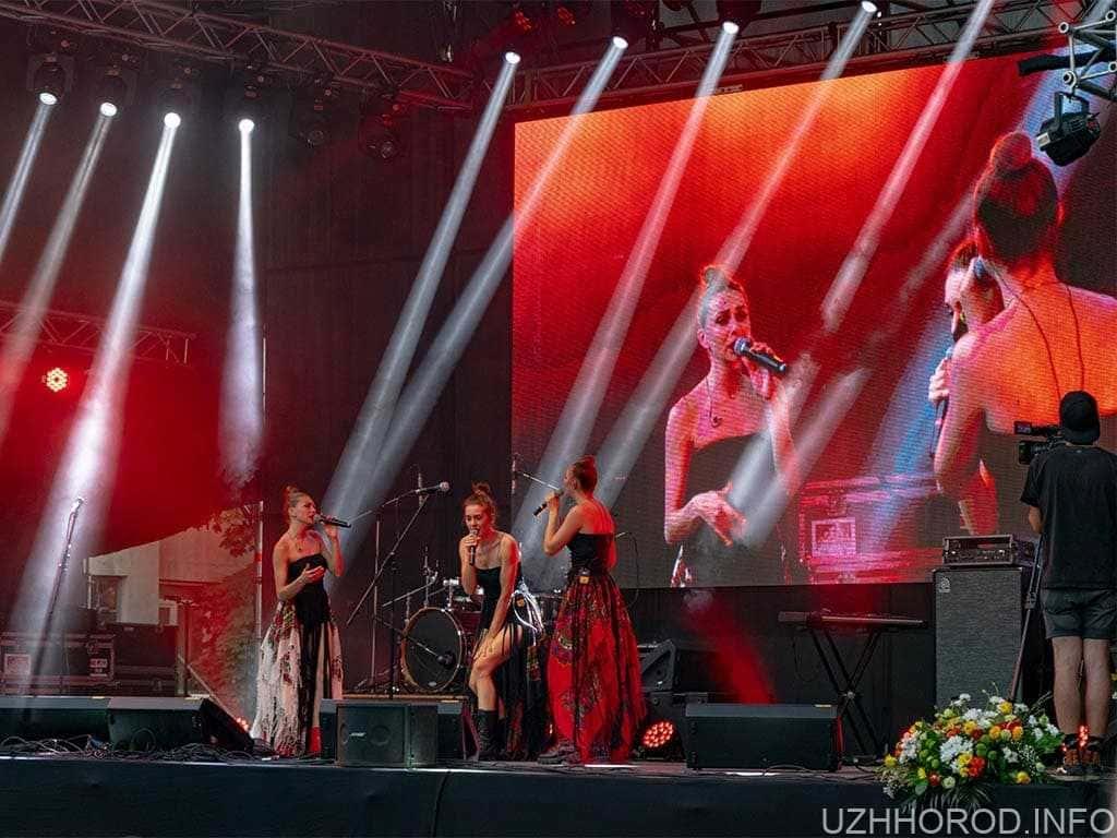 На святкування дня міста в Ужгороді витратили 700 тисяч: з них 100 тисяч на артистів і 170 на їжу