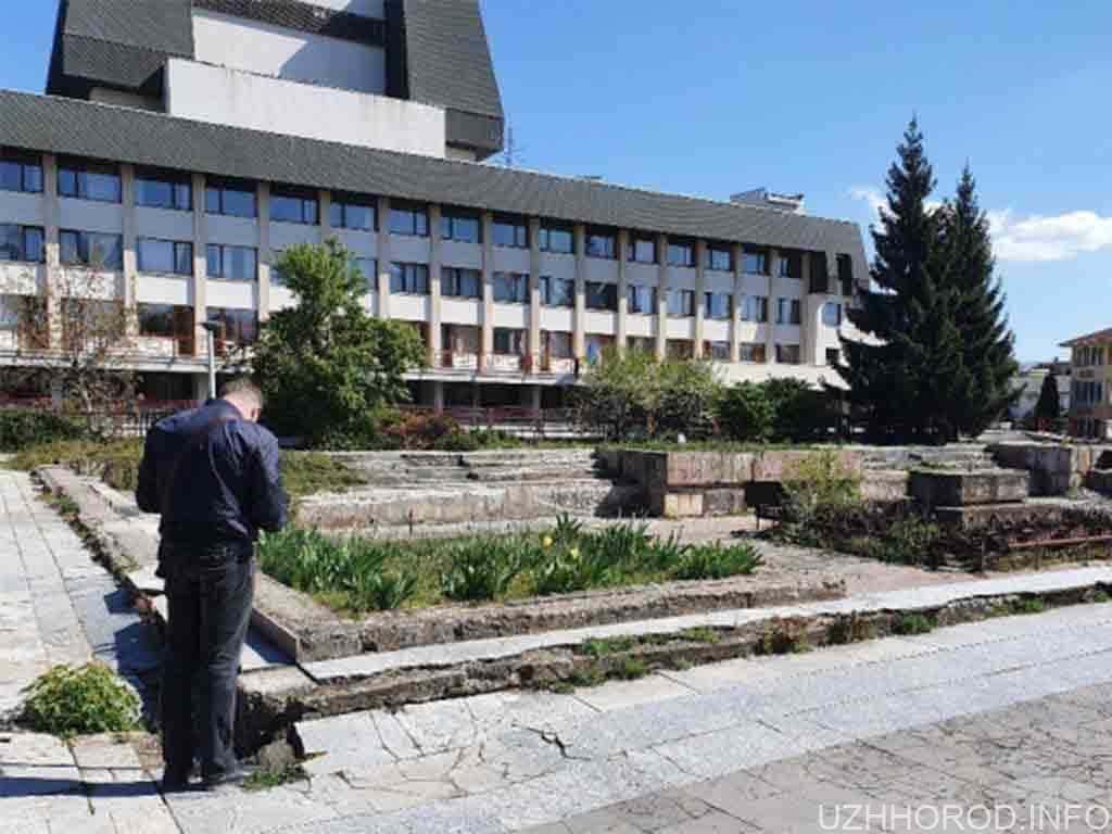 Збитків на понад мільйон: В Ужгороді експосадовцю оголосили підозру