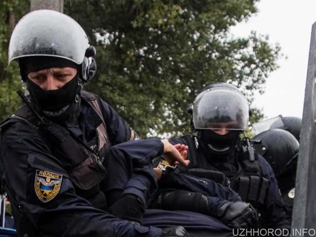 У поліції пояснили, у зв'язку з чим в Ужгороді перекрили вулицю Лисенка