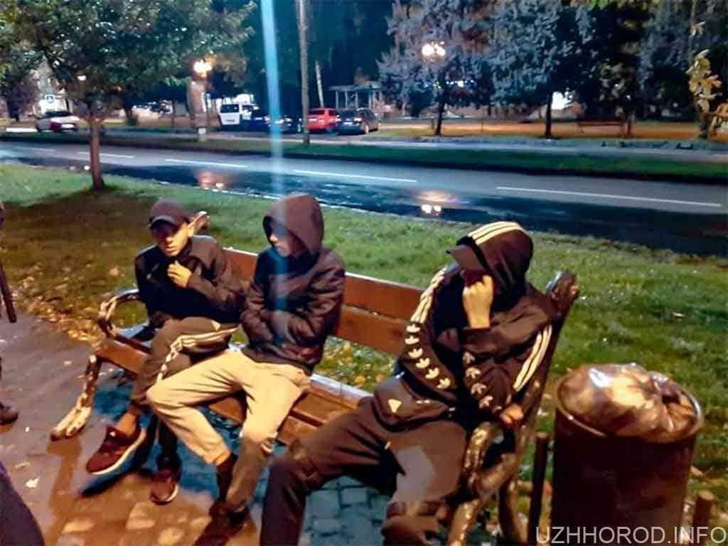 В Ужгороді вчора ввечері нацгвардія затримала трьох ромів з наркотиками та відмичками