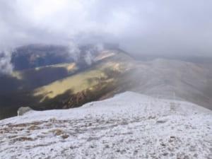 У Карпатах температура впала до 6 градусів морозу та випав сніг